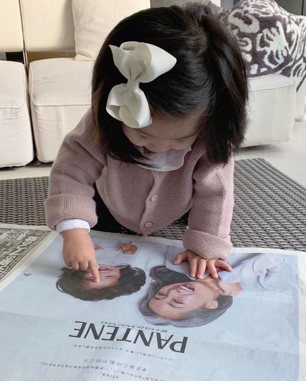 'Công chúa tóc mây' phiên bản nhí của Nhật Bản được mời quảng cáo dầu gội