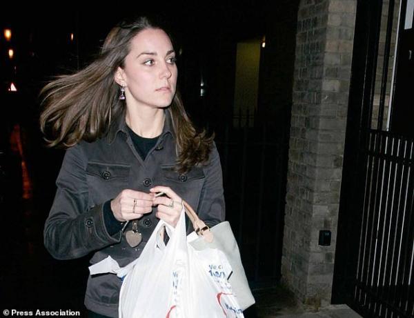 Các phần tử cực đoan IS kêu gọi đầu độc Công nương Kate qua đồ ăn cô mua ở siêu thị