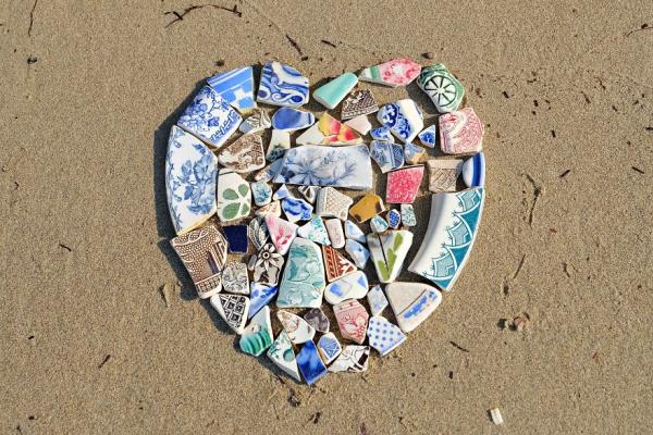 Bạn có thể nhặt được những 'kho báu' gì trên bãi biển?