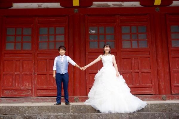 Cặp đôi đồng tính nữ Nhật Bản chụp ảnh cưới tại 26 quốc gia công nhận hôn nhân cùng giới