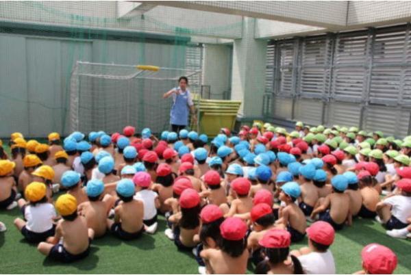 4 thập kỷ áp dụng phương pháp giáo dục 'trần truồng' của một trường mẫu giáo Nhật Bản