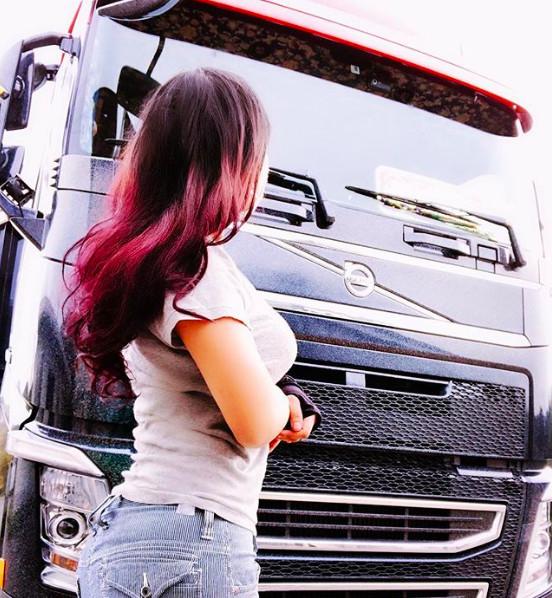 Gặp Rino Sasaki - nữ tài xế xe tải xinh đẹp nhất Nhật Bản