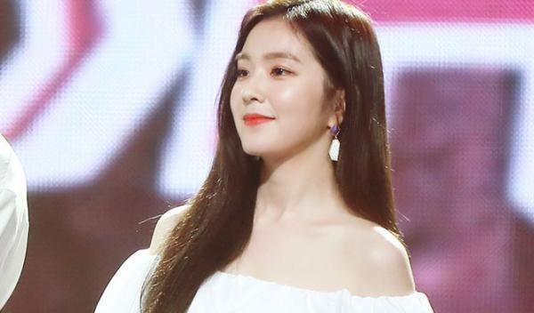 Gaon Music Award: Ngược xuôi ngang dọc, hóa ra Jennie vẫn là của 'chị Đẹp' Irene