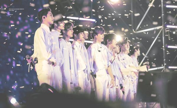 Lời tạm biệt nhói lòng  của Wanna One trong concert cuối: 'Vì sao chúng ta phải kết thúc?'
