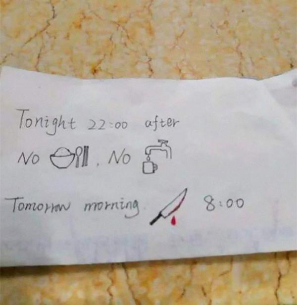 Chỉ vì kém tiếng Anh, y tá Trung Quốc viết giấy note lại khiến bệnh nhân tưởng mình sắp bị giết