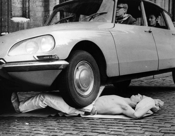 'Há hốc mồm' trước loạt ảnh kỳ lạ và bí ẩn nhiều người lần đầu tiên được thấy trên Internet