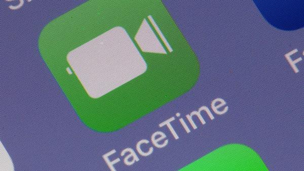 Apple trả tiền cho thiếu niên phát hiện lỗi nghe lén trên FaceTime