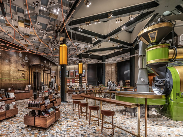 Cửa hàng Starbucks đầu tiên ở Ý lộng lẫy tới mức choáng ngợp