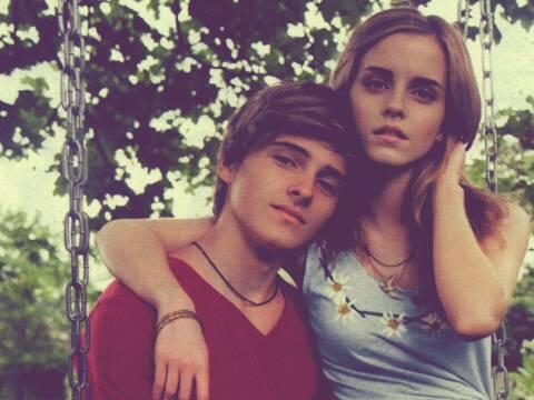 Nhan sắc của em trai của Emma Watson ngày ấy - bây giờ có gì mà dân Hàn sục sôi đến vậy?
