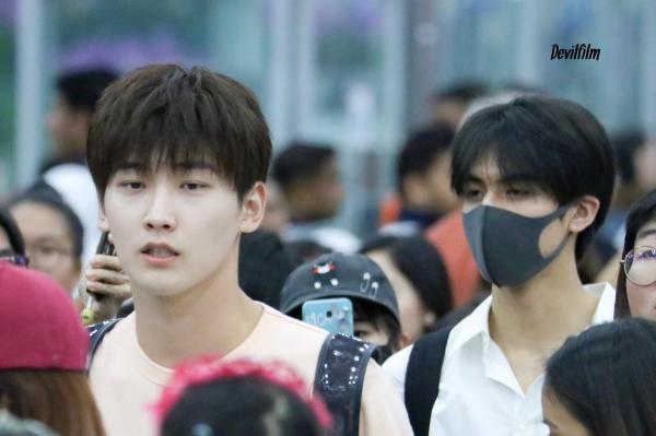 Bên nhau ngày Valentine chưa đủ, Tống Uy Long - Hình Chiêu Lâm lại 'đưa nhau đi trốn' ở Thái Lan