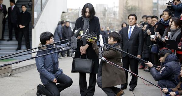 Ái nữ nhà Korean Air lại bị khui clip chửi bới, đay nghiến con trai chỉ vì cậu bé lỡ ăn kẹo trước giờ cơm