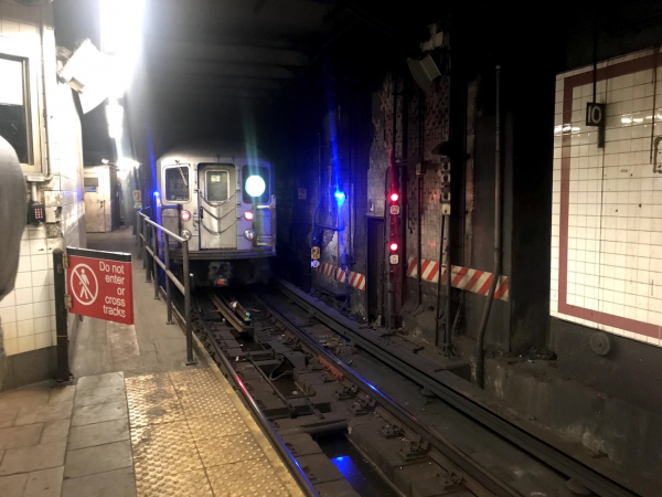 Bí ẩn ga tàu điện ngầm bỏ hoang ngay bên dưới Tòa thị chính New York