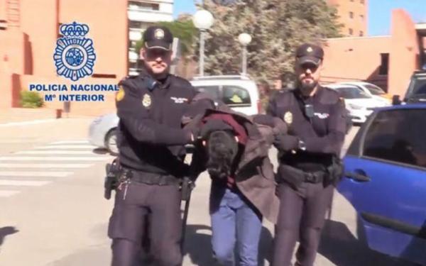 Nam thanh niên trẻ bị cáo buộc phanh thây và ăn thịt chính mẹ của mình