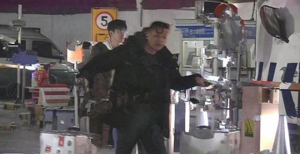 Trương Hàn - Cổ Lực Na Trát bị tung ảnh 'gương vỡ lại lành' sau hơn một năm nói lời chia tay?