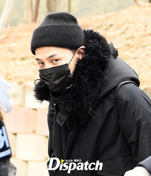 Dispatch tố G-Dragon không thể thăng cấp trong quân ngũ vì nghỉ hơn 100 ngày/năm