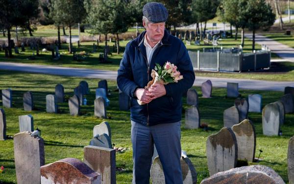 'Người Đàn Ông Mang Tên Ove'- Cuộc đời của ông già khao khát được chết