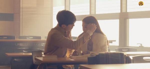 'Touch Your Heart': Bộ phim của những cảnh siêu sến khiến tim ta tan chảy chỉ trong 1 giây