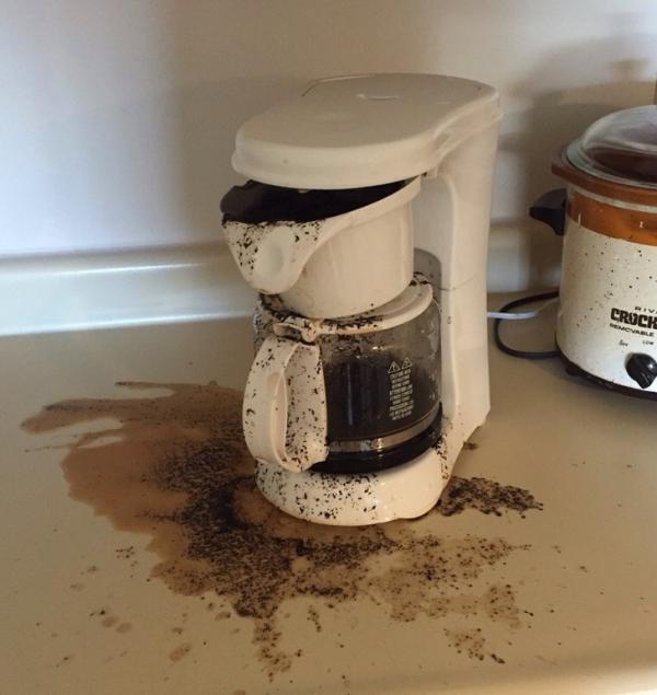 Những người là 'khắc tinh' của nhà bếp, đụng đến đâu là đổ vỡ đến đó