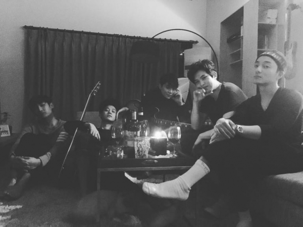 Báo Hàn nghi vấn CNBLUE Lee Jong Hyun liên quan đến nhóm chat quay lén của Jung Joon Young