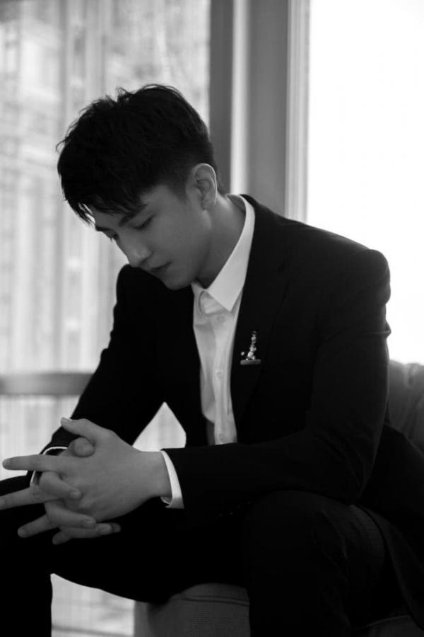5 nam diễn viên Hoa ngữ nổi tiếng chỉ nhờ một bộ phim sau nhiều năm 'sống trong bóng tối'