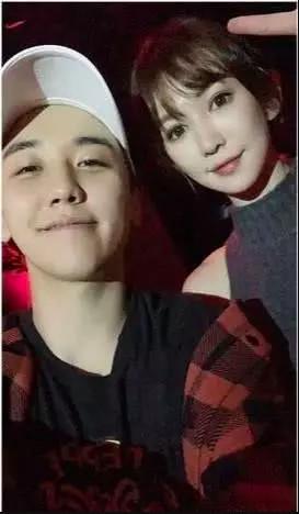 Seungri và những mối quan hệ phức tạp với các hot girl, thiên kim tiểu thư Châu Á