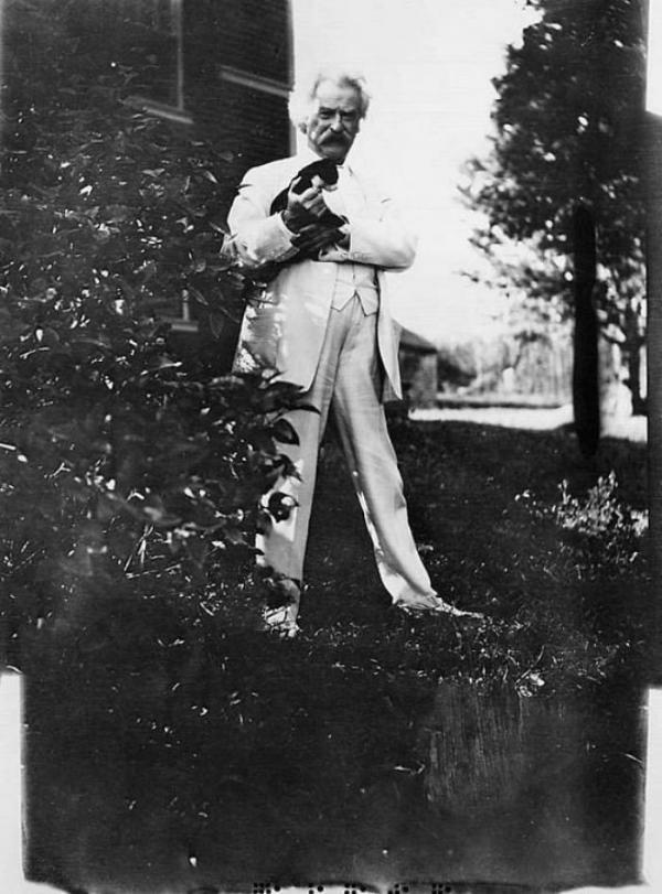 Những sự tích về MarkTwain - người hài hước vĩ đại nhất nước Mỹ cũng là kẻ yêu mèo điên cuồng