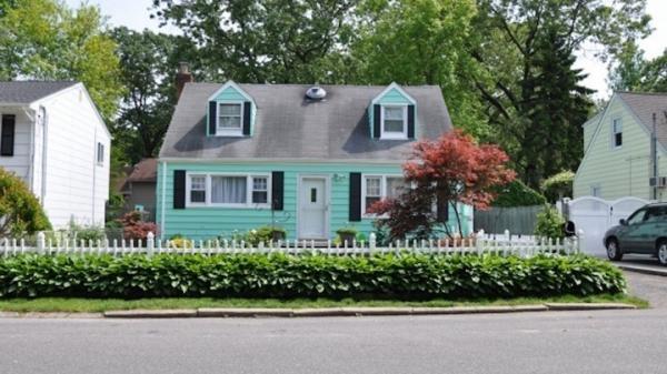Sự thật trớ trêu: Tầng lớp trung lưu tại Mỹ thậm chí không thể mua nổi cho mình một căn nhà