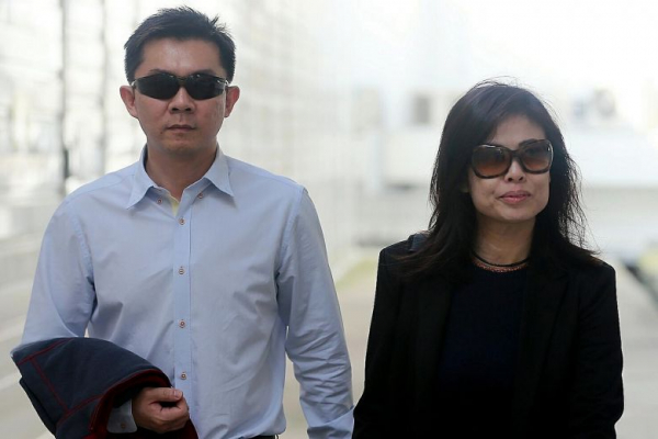 Phạt tù cặp vợ chồng Singapore tàn ác đánh đập, bắt người giúp việc ăn bãi nôn của chính mình