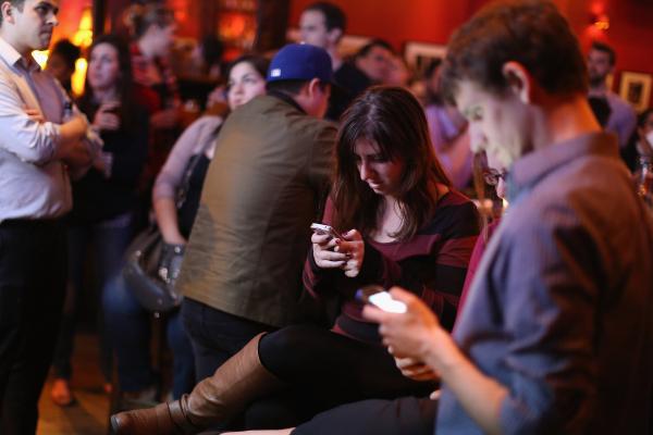 Thế hệ Y (Millennial): Khi những điều nhỏ nhặt như wifi chậm cũng khiến cuộc sống siêu căng thẳng