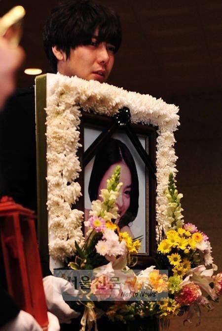 Madame Shim: Quyền lực khuynh đảo showbiz, nghi vấn đứng sau loạt cái chết bí ẩn của nghệ sĩ Hàn