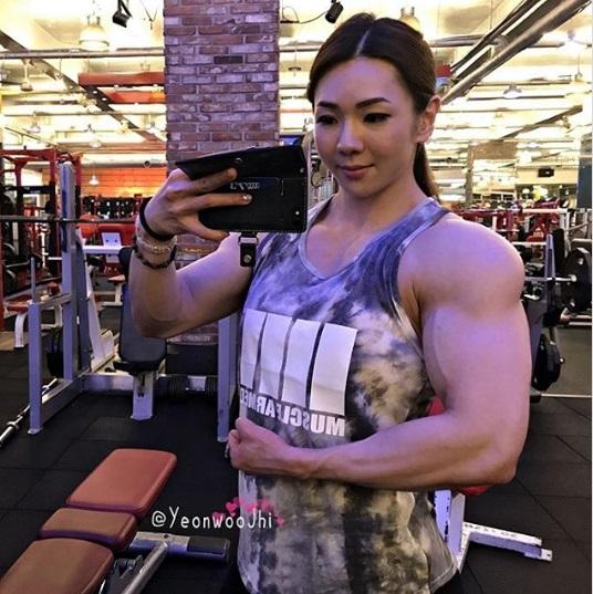 Gặp gỡ 'nữ thần cơ bắp' xứ Kim chi: Mặt và người tưởng như không hề liên quan nhau