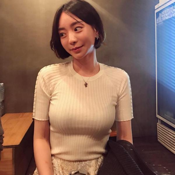 Bị cảnh sát điều tra, Hwang Hana bất ngờ tiết lộ từng bị người bạn nổi tiếng chuốc thuốc khi đang ngủ