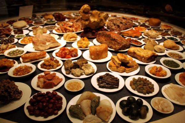 Chuyện ăn uống trong Tử Cấm Thành hoá ra cũng phức tạp chẳng kém gì chuyện 'cung đấu'