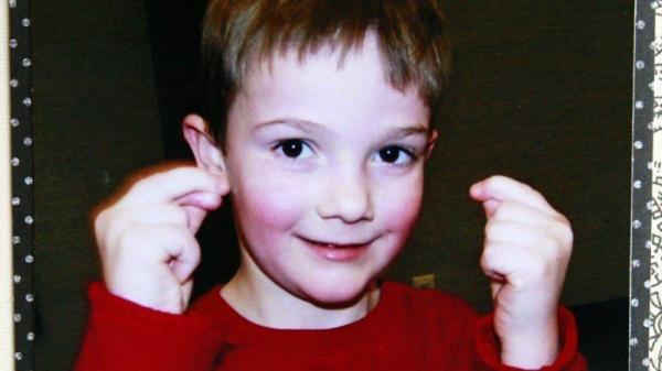 Nói dối mình là trẻ bị mất tích với hy vọng có được một gia đình biết quan tâm