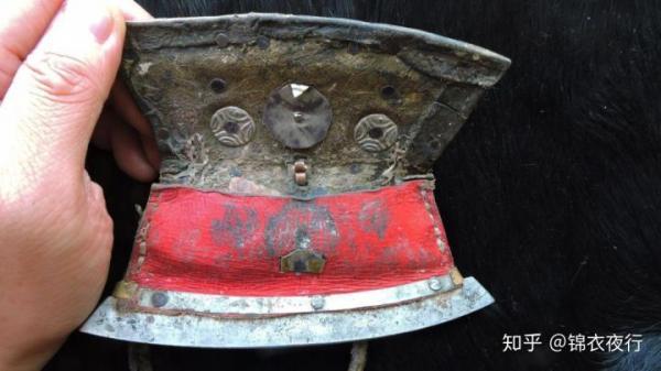 Thời xưa không có diêm và bật lửa, vì sao các đại hiệp xông pha giang hồ lúc nào cũng nhóm được lửa?