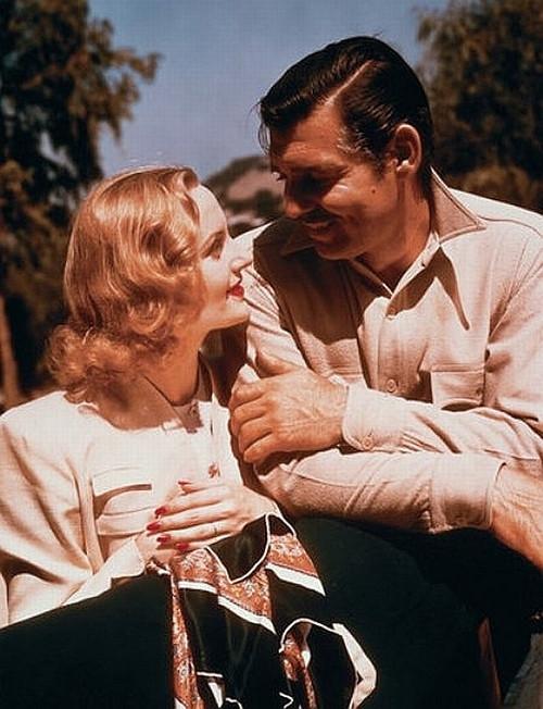'Anh nghĩ mình là ai?' - Câu hỏi đã 'trói chân' ông hoàng phong lưu Clark Gable cả đời với một người