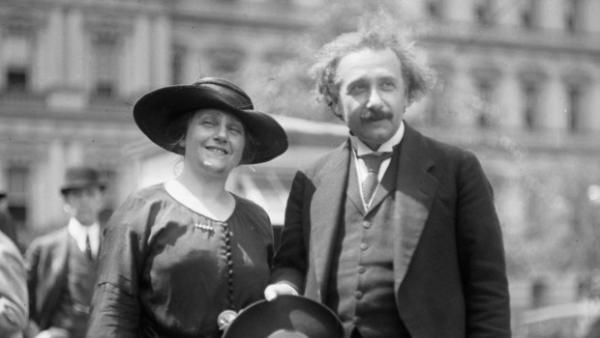 Những điều kiện khắt khe và lạ lùng trong 'hợp đồng hôn nhân' của nhà bác học Albert Einstein