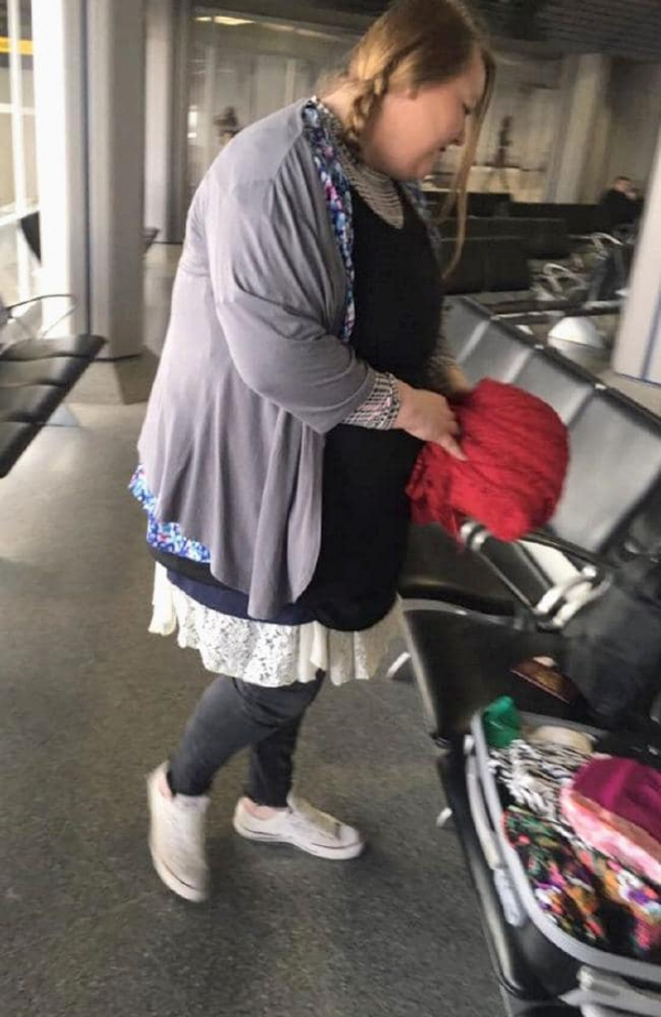 Nữ hành khách mặc 4kg quần áo trên người để không phải tốn tiền mua hành lý ký gửi