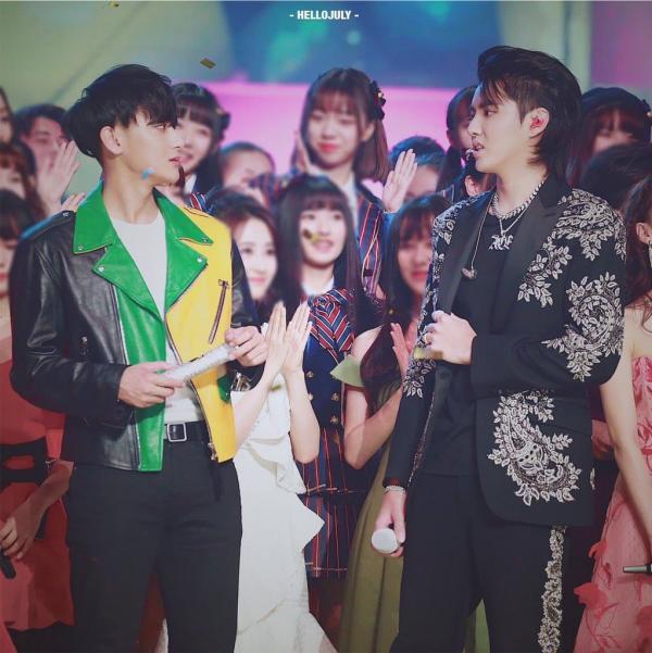 Phản ứng của Ngô Diệc Phàm khi bị fan hỏi: 'Có phải anh cũng không ưa Trương Nghệ Hưng?'