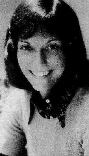 Cuộc đời rực rỡ và ngắn ngủi của nữ ca sĩ trong nhóm The Carpenters