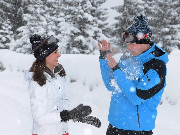 Loạt khoảnh khắc đáng nhớ trong 8 năm làm nên thiên tình sử giữa Hoàng tử William và Kate Middleson