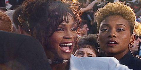 Chuyện tình đồng tính của Whitney Houston lần đầu tiên được tiết lộ trong cuốn tự truyện của người tình