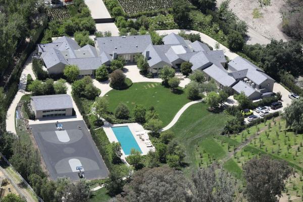 Mất 5 năm thi công, biệt thự 60 triệu USD của Kim Kardashian đã hoàn thành rồi đây