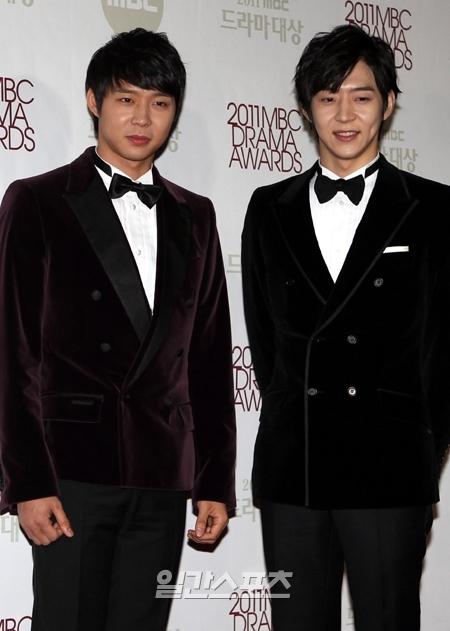 Em trai Park Yoochun ủng hộ anh: 'Nếu sau này anh tôi muốn mai danh ẩn tích, tôi sẽ đi cùng anh ấy'