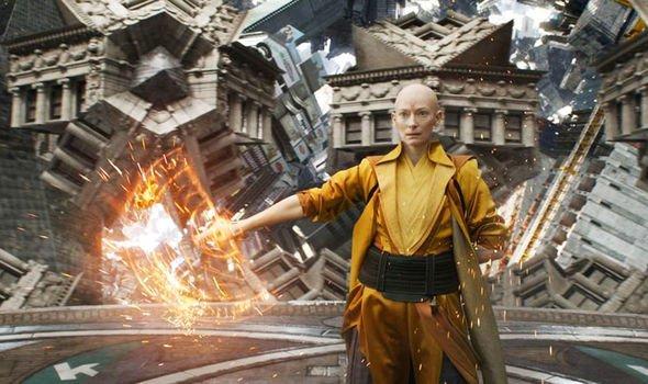 'Avengers: Endgame' tự đặt ra quy tắc du hành thời gian và rồi phớt lờ chính chúng