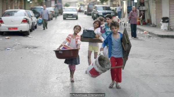 'Capernaum': Bộ phim về cậu bé 12 tuổi kiện bố mẹ ruột khiến toàn thế giới sửng sốt và tan nát cõi lòng