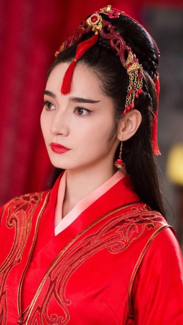 Dương Mịch tứ mỹ: Có hai người đẹp đến từ Tân Cương nhưng chỉ Địch Lệ Nhiệt Ba nổi tiếng