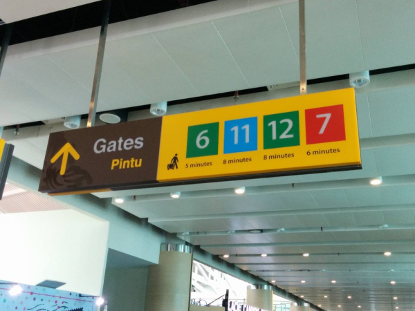 20 khách sạn và sân bay hiện đại đưa du khách 'lạc trôi' đến năm 3019