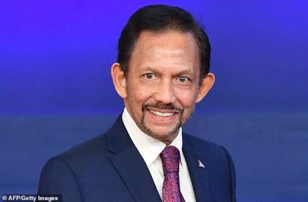 Quốc vương Brunei tuyên bố sẽ huỷ bỏ đạo luật man rợ ném đá người đồng tính đến chết