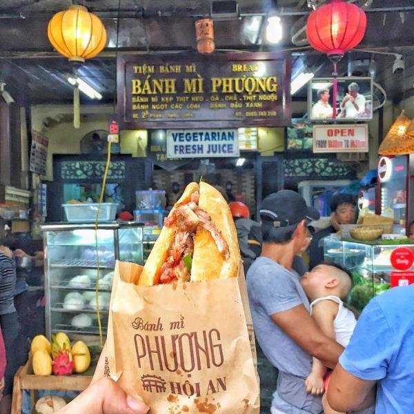 Bánh mì Phượng lừng danh Hội An đã có mặt trên đất Hàn với kiến trúc đậm chất phố cổ